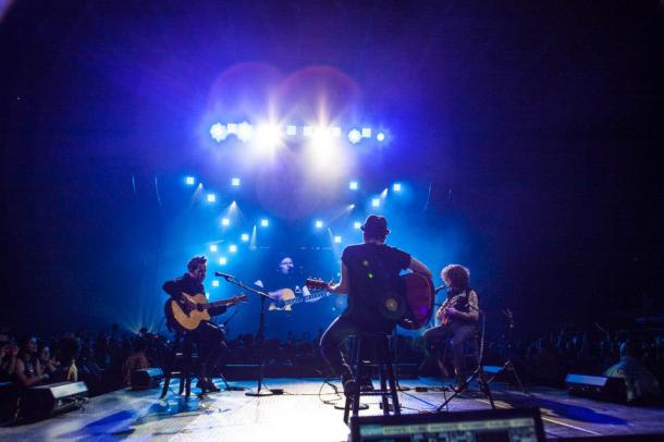 fall out boy save rock and roll tour acoustic set