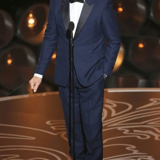 Kevin Spacey: Stayed true in a blue suit and showed us what acting's all about when he not only nailed his teleprompter lines, but improvised an intro. Designer: Burberry