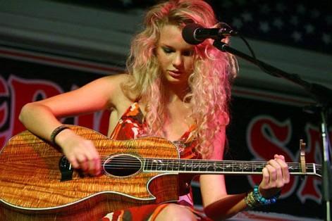 Taylor Live