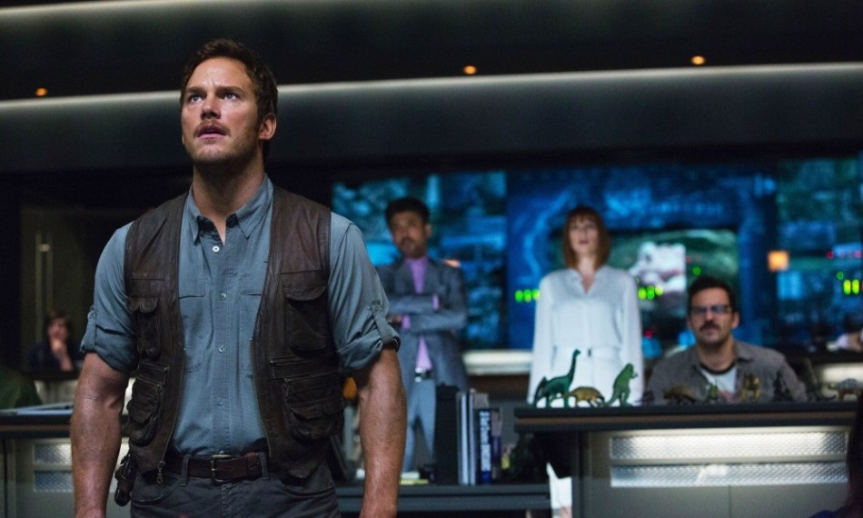 Jurassic World Control Center Chris Pratt