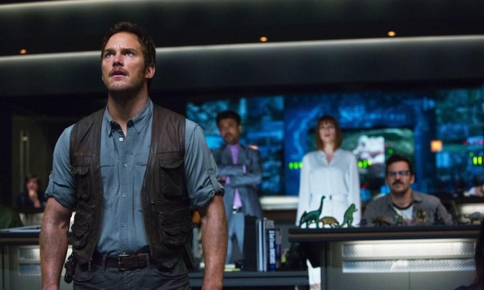 Jurassic World Control Center Chris Pratt