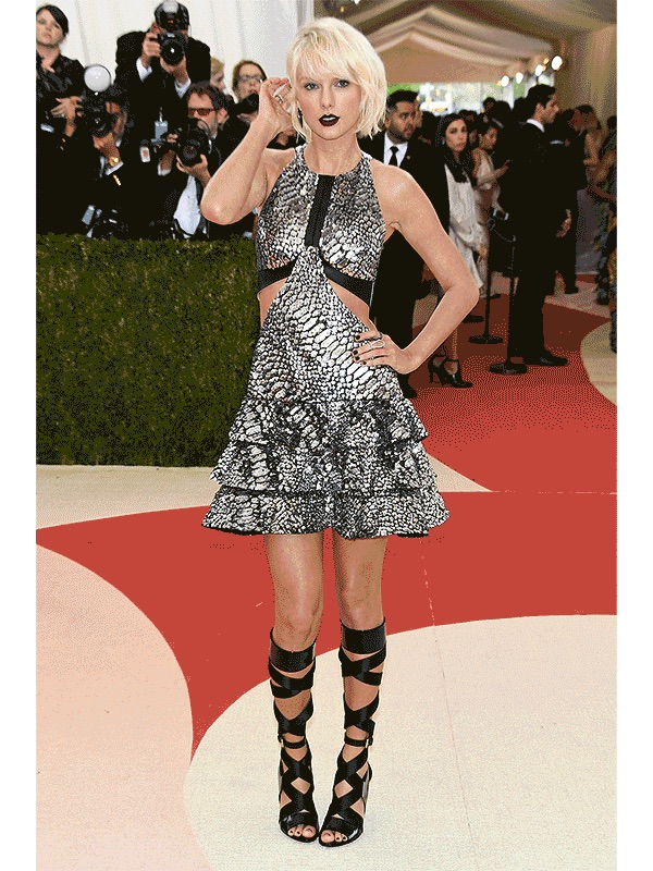 taylor swift looked stupid at the met gala