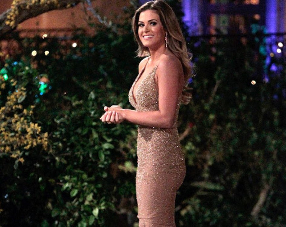 JoJo makes the real first impression in her sparkly Randi Rham gown.