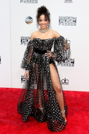 I actually like this playful bubble wrap look from Tinashe, except for the NO PANTS PART