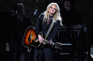"""Miranda Lambert is a bad bitch. She performed """"Another Vice"""" in this black suit that nicely complemented her red carpet gown."""