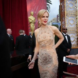 "★ Red Carpet pro Nicole Kidman, nominated for ""Lion"", wears Armani Prive. I love how Nicole embraces the Nashville vibe."
