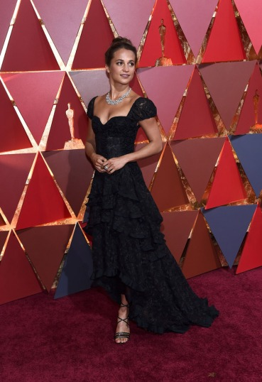 ★ Swedish actress Alicia Vikander chose a flamenco- inspired lacy Louis Vuitton