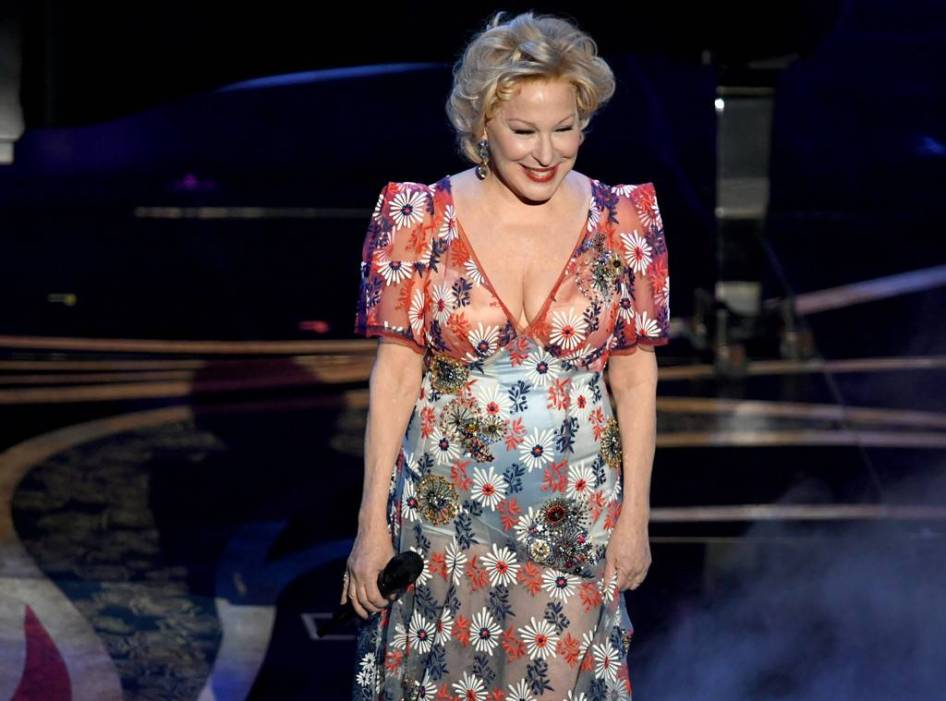 Bette Midler looked perfect in a youthful Marc Jacobs dress.