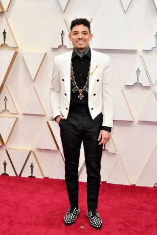 Broadway star and In The Heights actor Anthony Ramos brought some royal flair to his suit